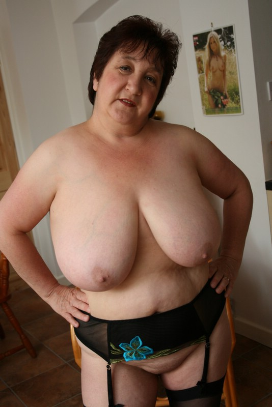 3 grannies with french bbw olgahave fun with 3 lovers 8