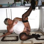 Grandma Libby loves to have men wanking over her